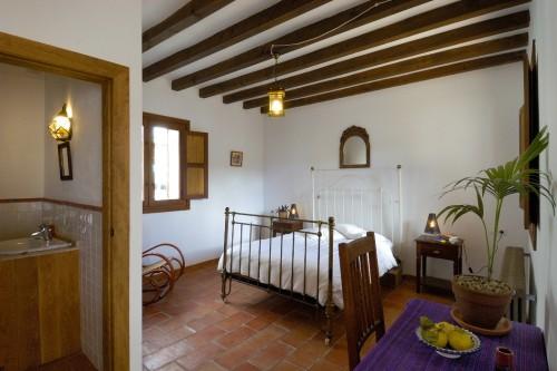 Double room with en-suite bathroom.